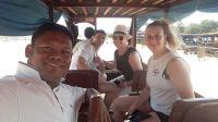 Cambodia_taxi_driver13