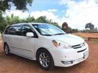 Cambodia_taxi_driver17